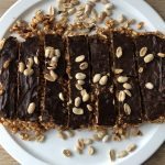 Barrinhas de arroz, manteiga de amendoim e chocolate